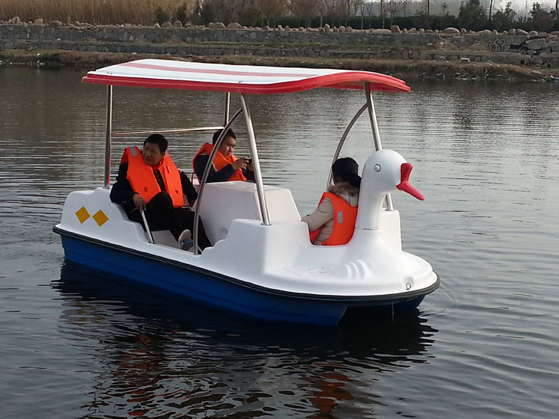 TZN350自排水脚踏船