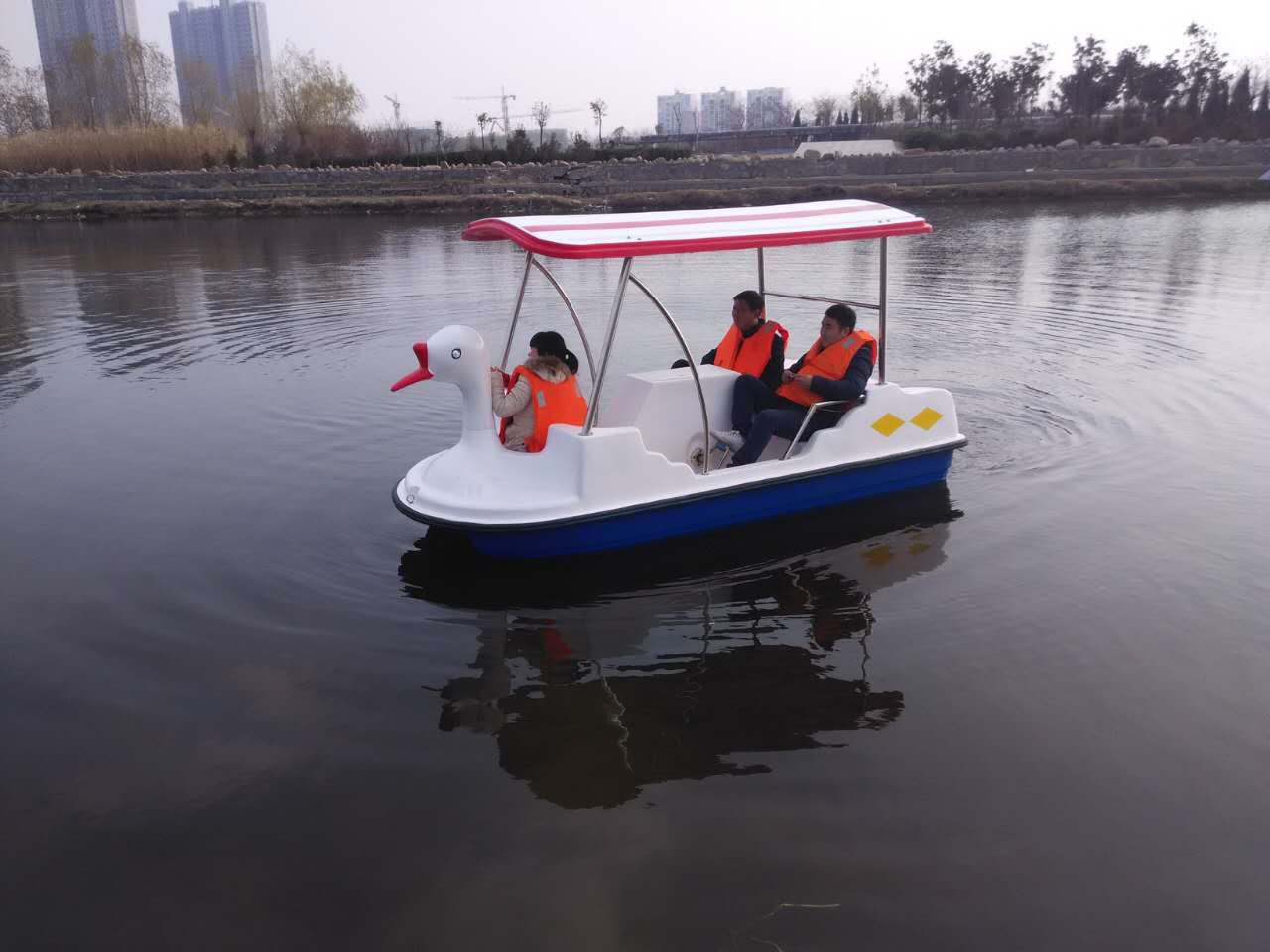 TZN350自排水电动船